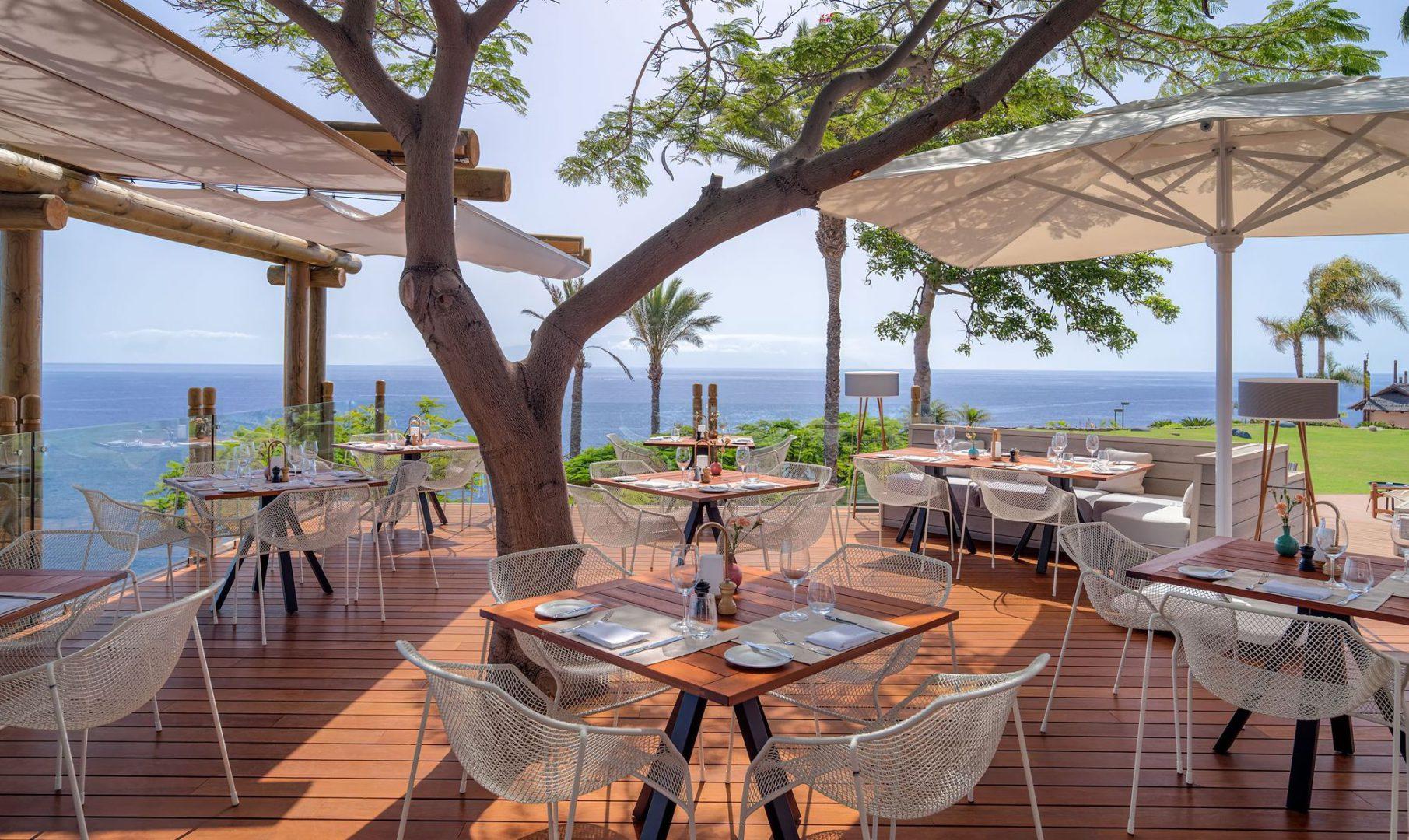 50554440-Restaurant El Mirador Terrace 1