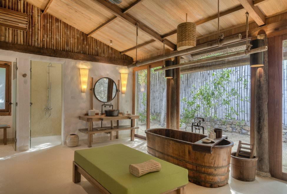 975x660_Beachfront Pool Villa bathroom 300x185