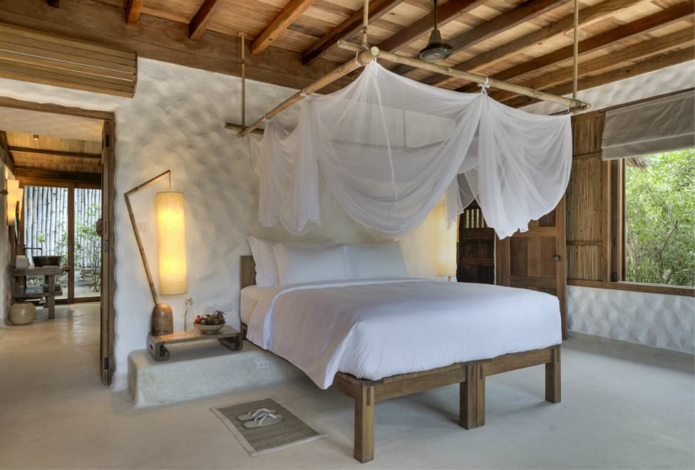 975x660_Beachfront Pool Villa bedroom 2 300x185