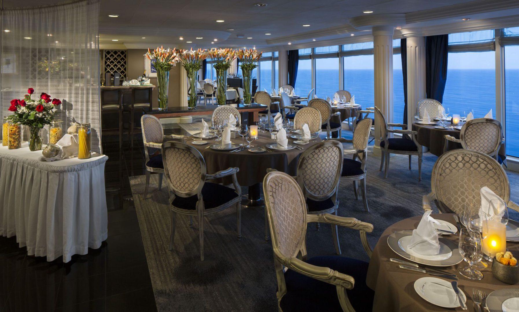 Azamara restauracja