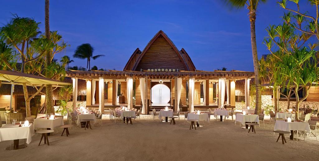 BRANDO_Restaurant-BeachDining-twilight-1-1640x830