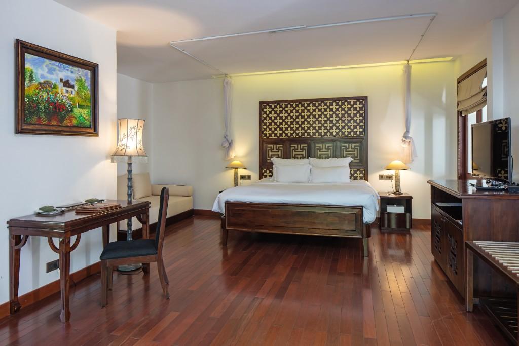 Bedroom-Pool_Suite-2