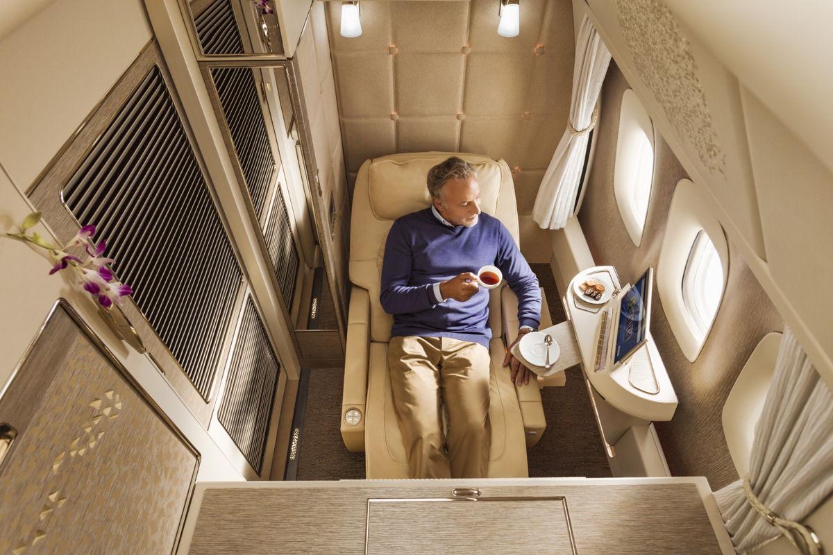Bilety lotnicze Emirates First Class man