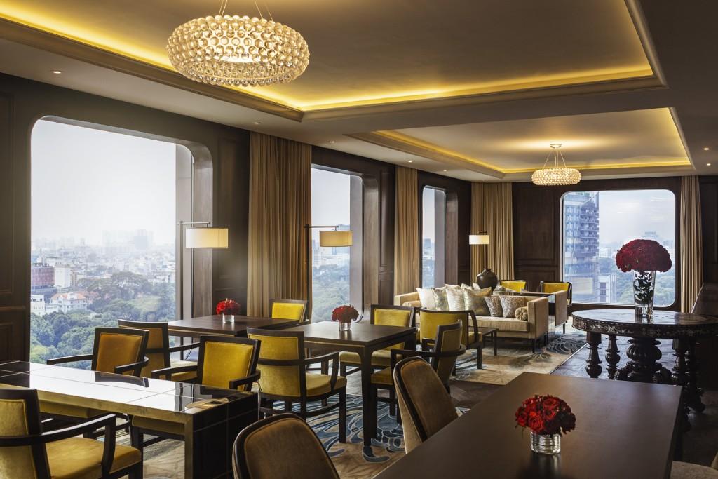Hotel-des-Arts-Saigon-Sky-Lounge