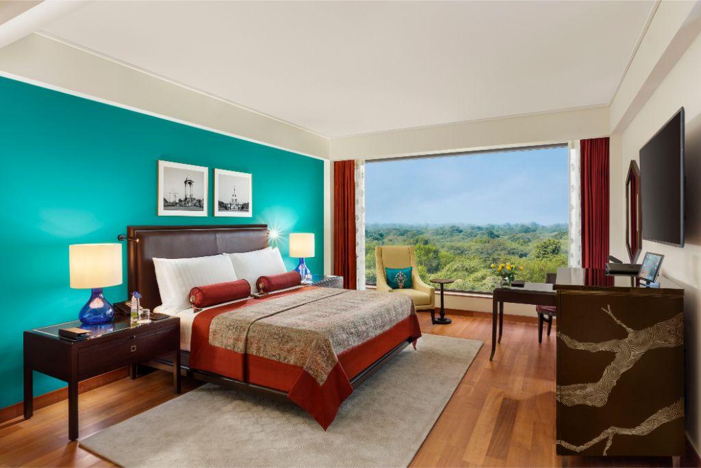 Premier Plus Bedroom_The Oberoi, New Delhi