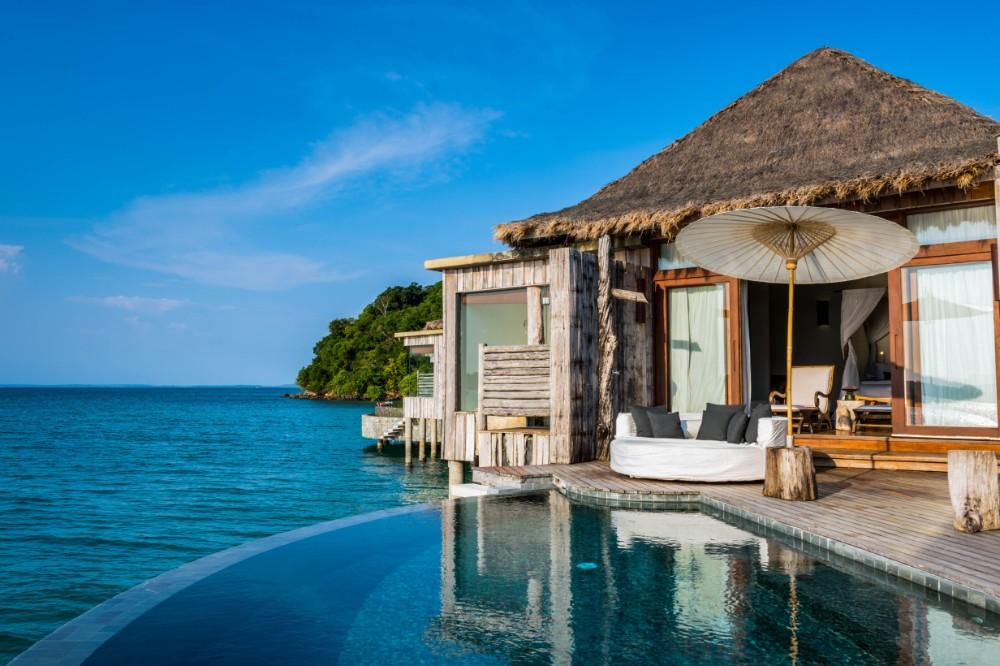 Reto-Guntli-overwater-villa-interior-song-saa-private-island-2015-8-2