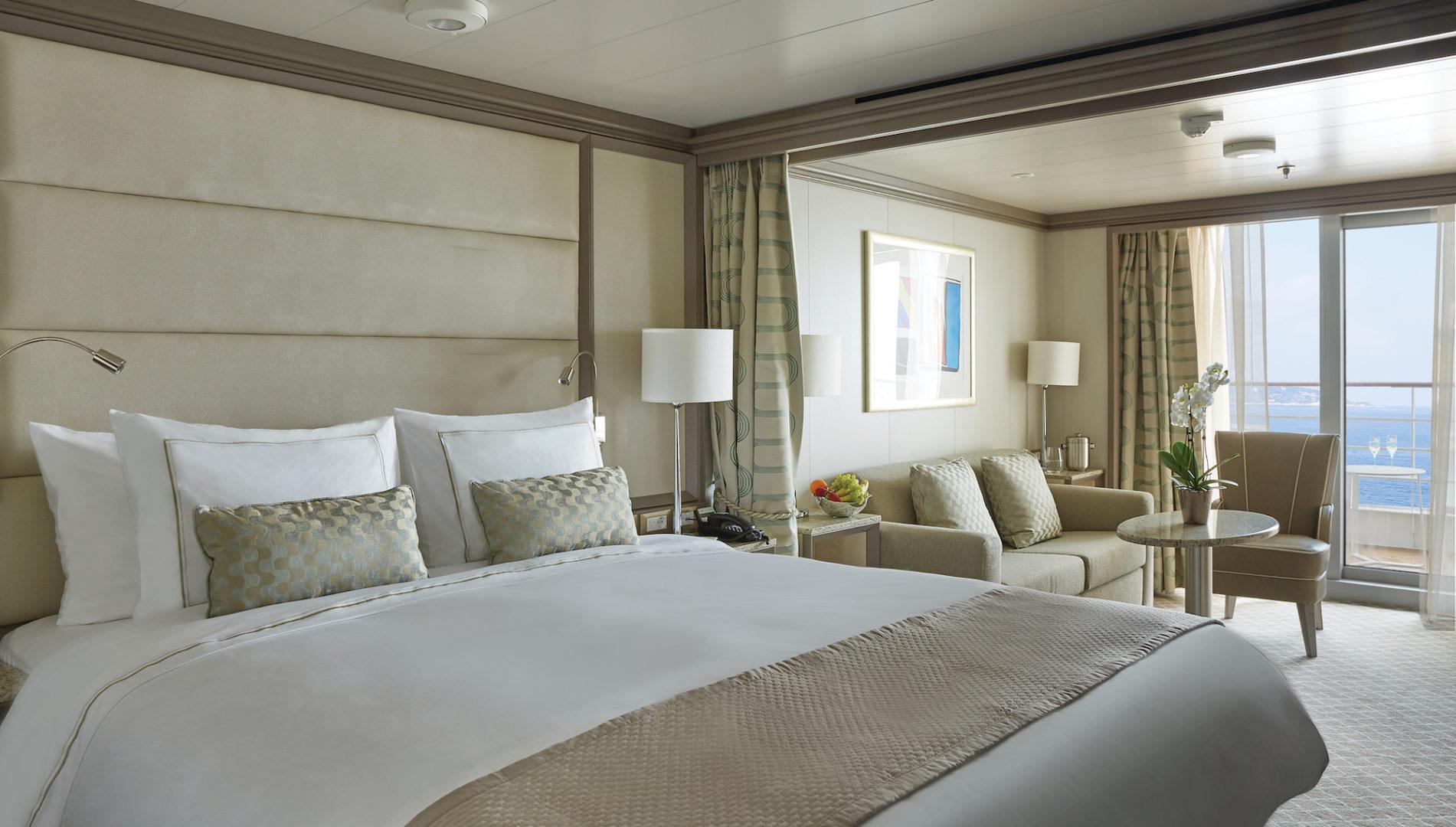 Silver Muse, Veranda, bed, balcony, plant, bed, cushions, lamp, sea, champagne