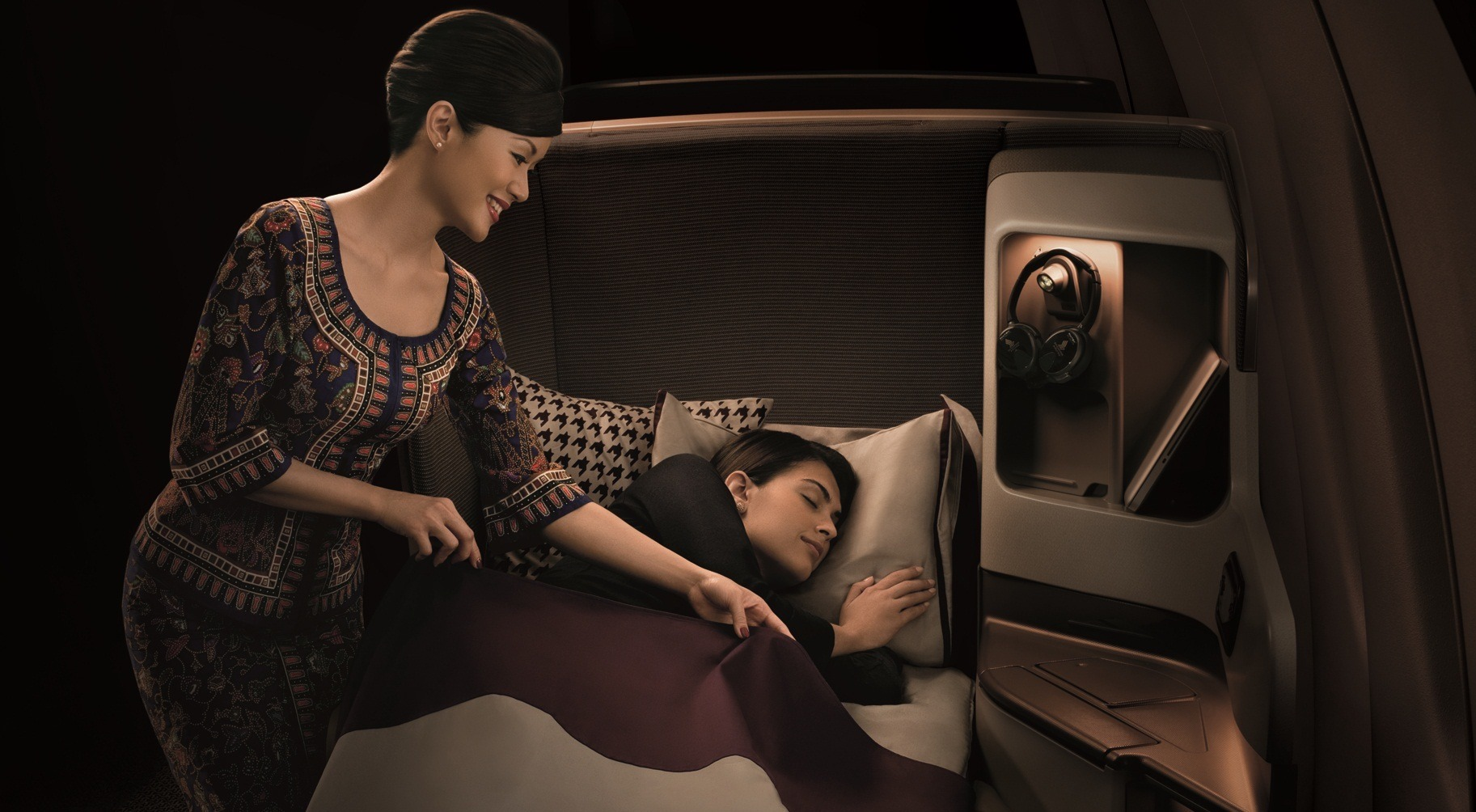 Singapore Airlines Business Class stewardessa