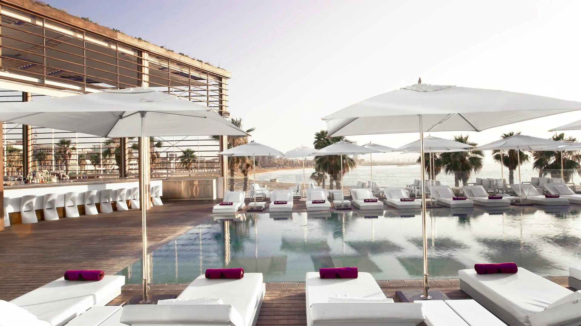 W hotel Barcelona basen