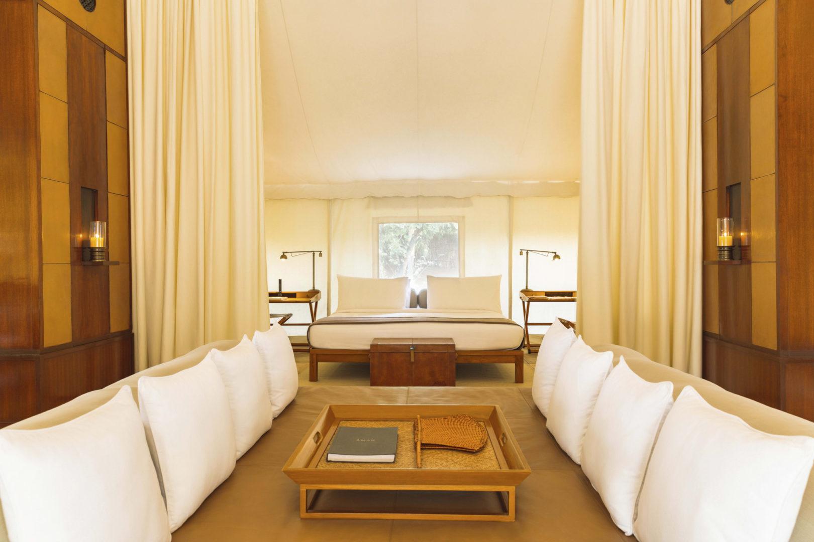 aman-i-khas_india_-_tent_interiors_high_res_23799
