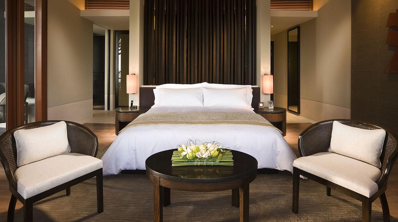 singapore-accommodation-premier-garden-room-detail-gallery-02