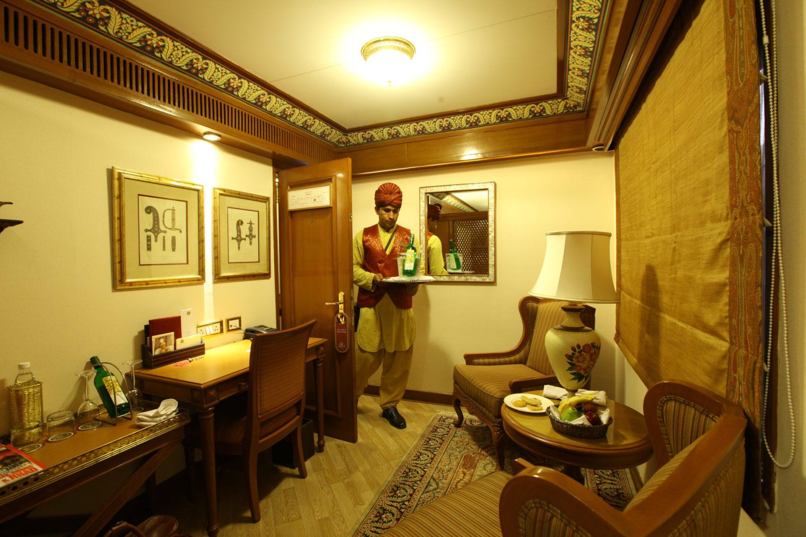suite-sitting-area-1