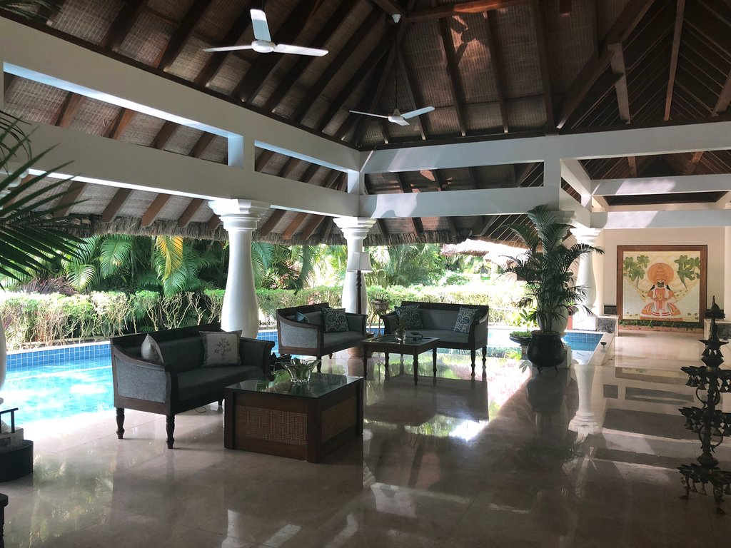 the-lobby (1)